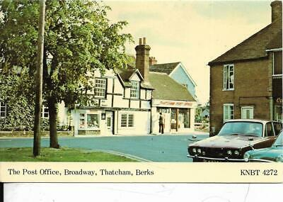 THATCHAM, The Post Office,  Broadway, Berkshire Old Postcard • 0.80£