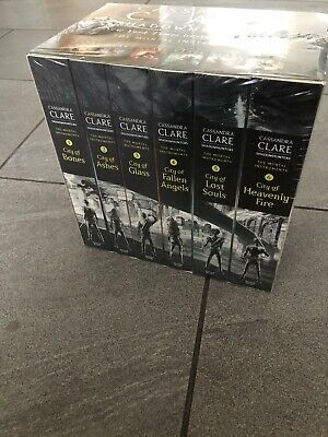 The Mortal Instruments SHADOWHUNTERS Set Brand New In Plastic By Cassandra Clare • 7£