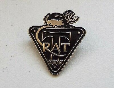 RAT 2000 Triumph Riders' Association Motor Cycle Enamel Badge • 4.99£