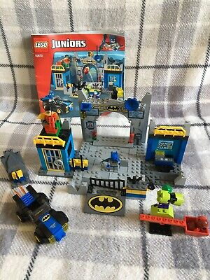 LEGO JUNIORS 10672 BATMAN DEFEND THE BAT CAVE With Instructions • 14.99£