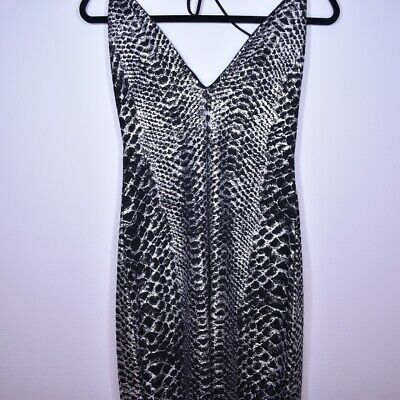 Gorgeous Silver Shiny Snakeskin Catsuit/ Jumpsuit Size 12/ Medium/ Halloween  • 10£