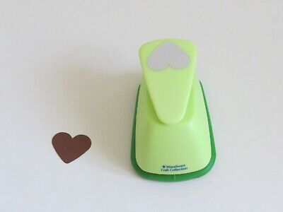 Woodware Heart Lever Craft Paper Punch 1 Inch • 3£