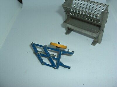 Britains Diecast 1/32nd Scale Farm Machinery  Silver Feeder And Blue Plough • 7£