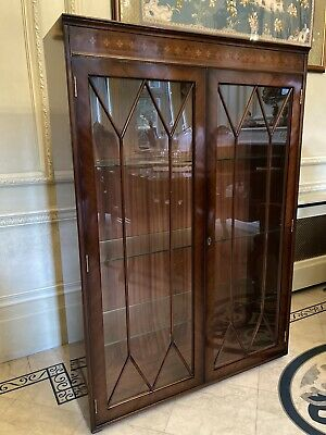 Mahogany Glass Display Cabinet • 6.80£