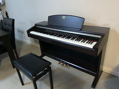 AU1000 • Buy Piano Yamaha Clavinova CLP 130 With Stool