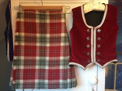 Child's Highland Dance Outfit, Ages 6-8 Years Old, Red And Green Tartan.  • 120£