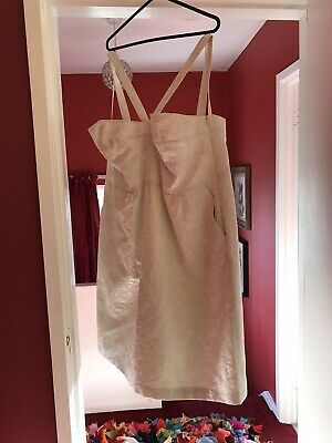 Cream And Silver Jaquard Dress • 3£