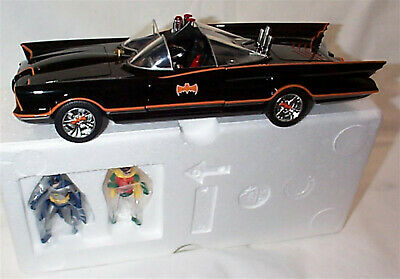Jada 1:18 Classic Tv Series Batmobile W/ Working Lights & Figures Die-cast 98625 • 69.99£