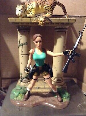 Lara Croft Tomb Raider ( Senegal Tiger Action Scene ) Action Figure • 9.99£