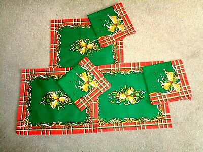 Three Vintage Christmas Napkins And Three Place Mats (Made GB) VGC • 0.99£
