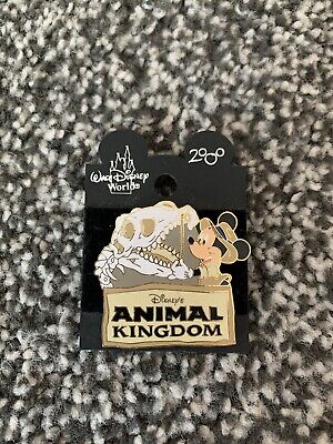 Rare Collectable Disney's Animal Kingdom 2000 Mickey Mouse Dinosaur Pin Badge • 10£