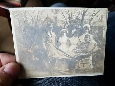 WW1 VAD NURSES & WOUNDED SOLDIERS IN GARDENS.  ORIGINAL WW1 PHOTO 10x8cm App • 2.99£