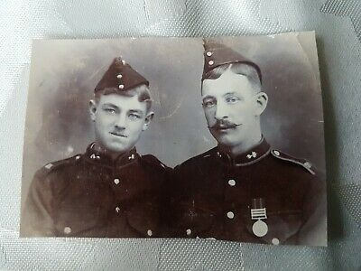 ROYAL ARTILLERY SOLDIERS IN UNIFORM. ORIGINAL WW1 PHOTO 8x6cm App • 2.99£