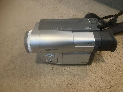 $ CDN130 • Buy Samsung SCL500 8MM Video Camera  (Includes Battery, Charger, And Tapes) WORKING