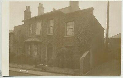 Old RP Of A House In Ventnor • 2.99£