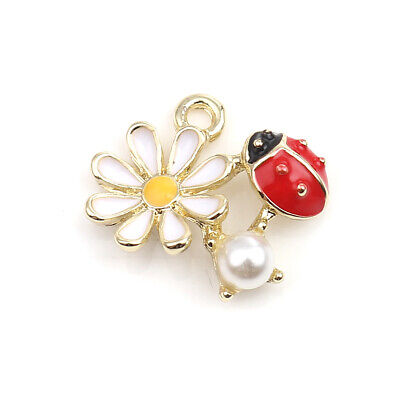 5 Beautiful Gold Plated Ladybird & Daisy Charm Pendant With Imitation Pearl • 4.25£