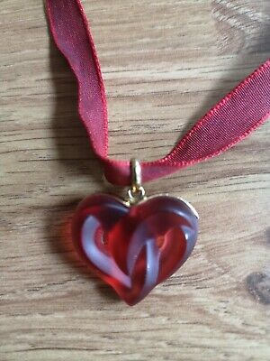 Lalique Red Entwined Heart Pendant/ Necklace • 190£