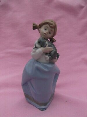 (906) Vintage Lladro Nao Figure # Girl With Pigtails Cuddling Puppy • 9.50£