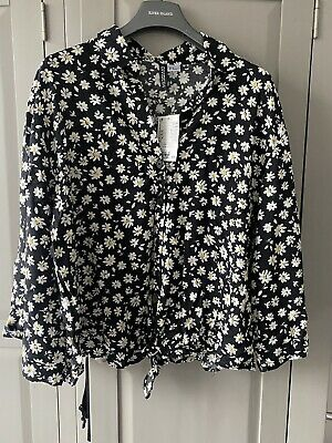 Womens H&M Black Daisy Tie Front Blouse Size 12 • 4£