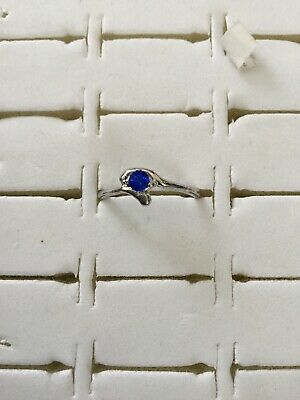 Ladies Silver Coloured Cosmetic Ring With Sapphire Coloured Solitaire Stone- New • 1.75£