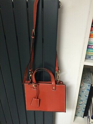 Ladies Bag By Charles & Keith. Dark Tan. Leather-Look. Perfect Condition. • 5£