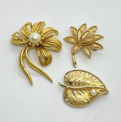 $ CDN18.93 • Buy Vintage Jewelry Lot Of 3 Signed Brooches BROOKS, BSK, AVON