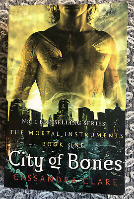 The Mortal Instruments (book One) City Of Bone By Cassandra Clare • 1.50£
