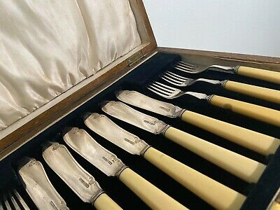 £20 • Buy Vintage Cutlery Set + 1 Carving Forks. Ideal For Collection Art,Year 1921.