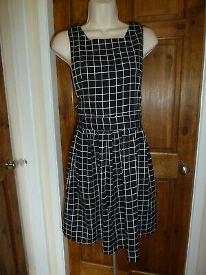 £1.20 • Buy Pretty Black And White Checked Skater Dress From Atmosphere Size 10