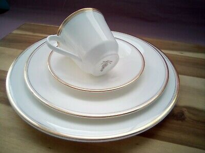 £10 • Buy Royal Doulton English Fine Bone China Gold Concord Dinner / Tea For One Set.