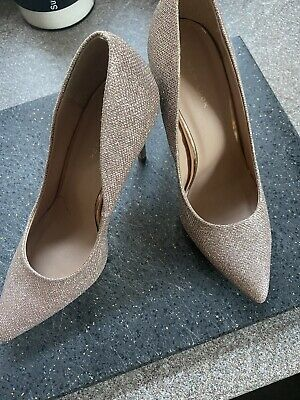 £5 • Buy Rose Gold Diamante Shoes Size 7
