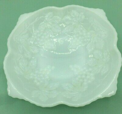 $14.50 • Buy Vintage Anchor Hocking Milk Glass Footed Serving Bowl Grapes And Leaves Pattern