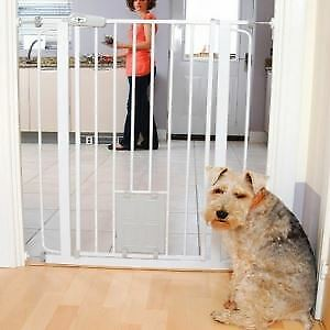 £35 • Buy Bettacare Pet And Dog Gate Tall Barrier With Lock Cat Flap - RETURN
