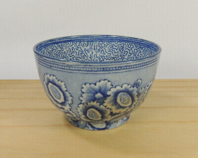 £6.99 • Buy Early Blue And White Pearlware Teabowl With Auricula Flowers