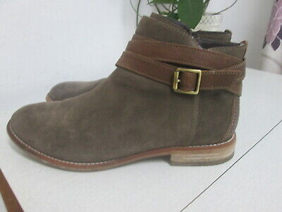 £9.99 • Buy Clarks - Dark Taupe Suede Ankle Boots - Size 7