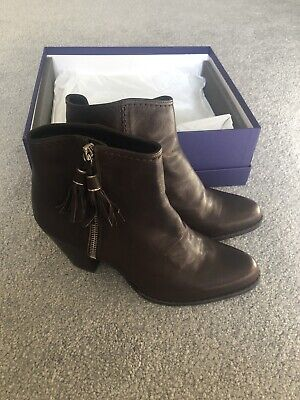 £45 • Buy Stuart Weitzman / Russell Bromley Boots - Brown Leather Prance UK Size 5 BNIB