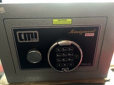 AU620 • Buy CMI MINIGUARD Digital SAFE MODEL MG2D  27kg Brisbane Inspectionswelcomed