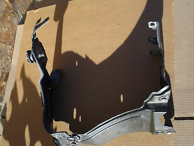 $24.50 • Buy 2002-05 Mercedes C230 C320 Coupe Headlight Lamp Bracket Left Driver RH OEM
