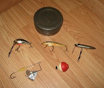 $ CDN30.09 • Buy LOT OF Vintage Fishing Lures & 1 Bobber In Tin Box - Finland, Heddon, & More
