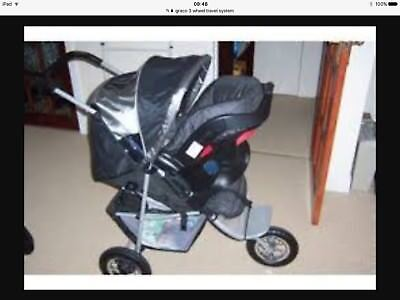 Graco 3 Wheeler Travel System(car Seat, Isofix Base, Foot Muff And Rain Cover) • 100£