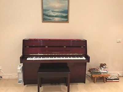 AU3300 • Buy Yahama Piano Burgundy