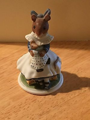 The Woodmouse Family  Lucinda  Mouse Figurine  • 12$