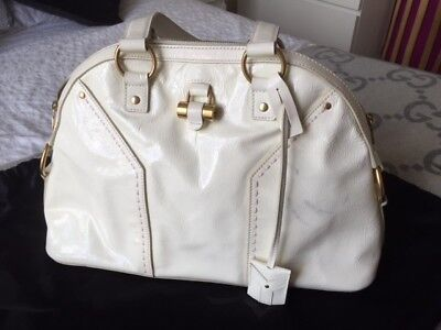 Vintage YSL Muse Bag In Off-white Patent Leather With Brass Detailing. Collector • 150£