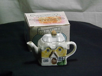Olde World Collection Miniature Thatched Cottage Tea Pot With Original Box.c1995 • 9.50£