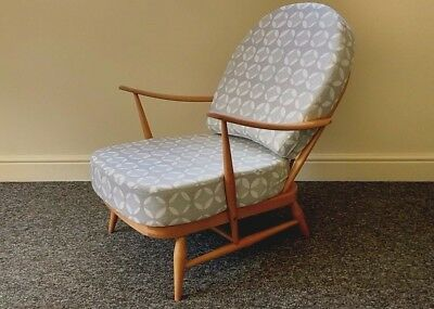 Vintage Ercol: Windsor 203 Armchair With Grey/white Designer Print Covers • 695£