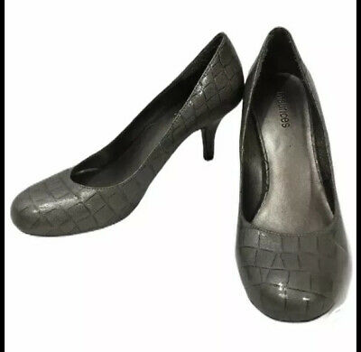 """Maurices Women's Size 7 Pewter Color Textured Metallic Closed Toe 3"""" High Heels • 9.40£"""