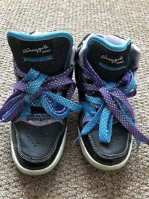 £5 • Buy Pineapple Black With Purple And Blue Laces  Trainers Size 5