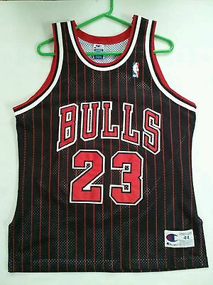 AU516.65 • Buy  90's CHAMPION AUTHENTIC CHICAGO BULLS #23 MICHAEL JORDAN SIGNED JERSEY SIZE 44