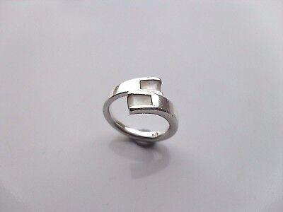 Ladies Silver 925 Ring Size K  With Lovely 2 X Mother Of Pearl Design • 20.95£