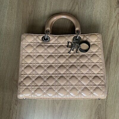 CHRISTIAN DIOR 'LADY DIOR' Hand Bag LARGE NUDE PATENT LEATHER • 900£
